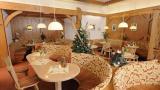 gemütlich sitzen im Cafe Chiemgau